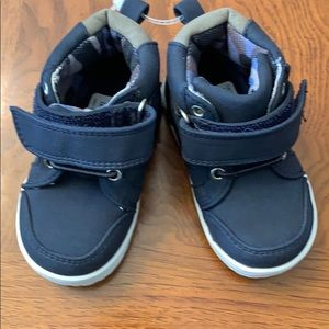 NWT-Toddler Boys Born Bailey Levi Mid Sneakers